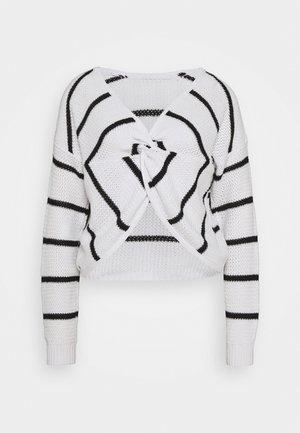 TWIST BACK REVERSIBLE - Strickpullover - white