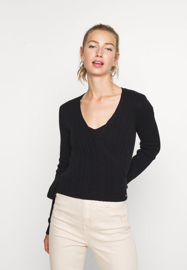 TIE BACK WRAP  - Stickad tröja - black