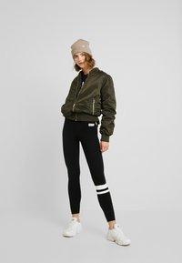 Hollister Co. - TIMELESS CREW - Sweatshirt - black - 1