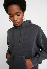 Hollister Co. - CHASE ICON POPOVER - Hoodie - black - 3