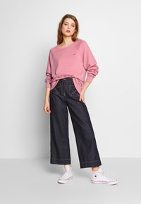 Hollister Co. - ICON CREW - Mikina - dusty rose - 1