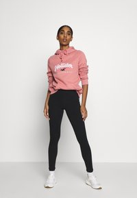 Hollister Co. - Jersey con capucha - pink - 1