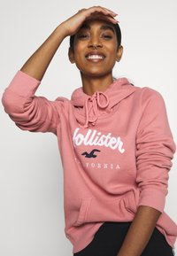 Hollister Co. - Jersey con capucha - pink - 3