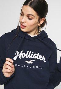 Hollister Co. - Bluza z kapturem - navy - 5