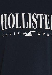 Hollister Co. - CREW SWEATSHIRT - Sweatshirt - navy - 2