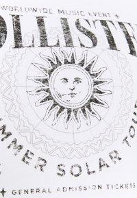 Hollister Co. - BAND CREW  - Sweatshirt - white - 2