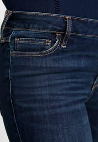 Hollister Co. - MEDIUM RISE DARK CLEAN - Skinny džíny - dark crop - 6