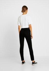 Hollister Co. - HIGH RISE SUPER - Skinny džíny - black clean - 2