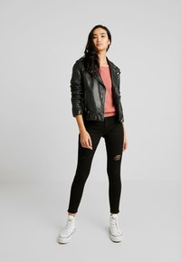 Hollister Co. - DEST - Skinny džíny - black - 1