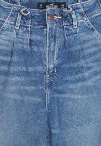 Hollister Co. - CHASE MOM  - Jeansy Slim Fit - light blue denim - 2