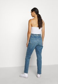 Hollister Co. - CURVY MOM  - Relaxed fit jeans - blue denim - 2