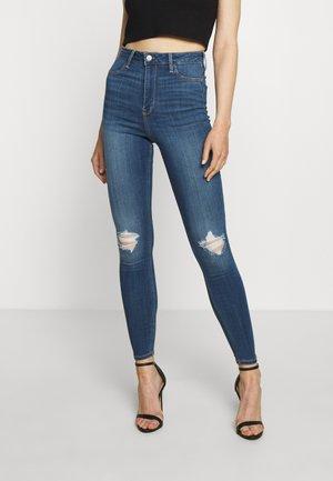 CURVY KNEE - Skinny džíny - blue denim