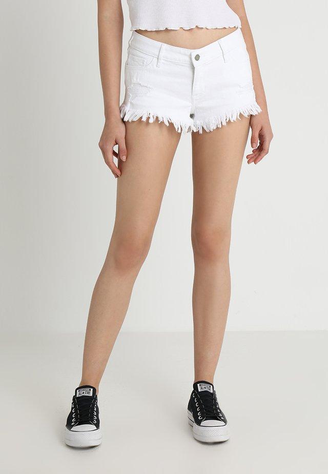 FRAY HEM - Shorts vaqueros - ripped white