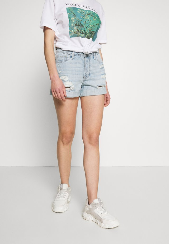 UHR MOM DESTROY ROLL - Jeansshorts - denim