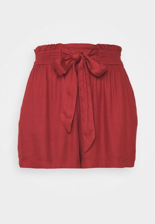 JUN SHORT UPDATE - Shorts - red