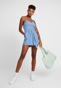 Hollister Co. - HALTER ROMPER - Overal - chambray - 1