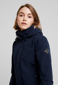 Hollister Co. - ALL WEATHER JACKET - Lett jakke - navy solid - 3