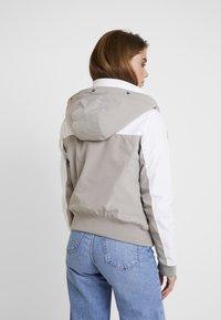 Hollister Co. - ALL WEATHER - Veste mi-saison - white to grey color block - 3