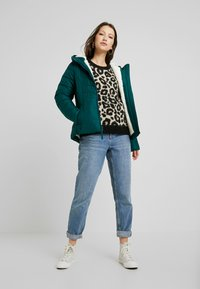 Hollister Co. - CORE PUFFER JACKET - Zimní bunda - sea moss - 1