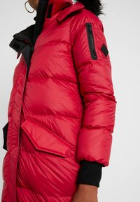 Hollister Co. - LONGLINE PUFFER PARKA - Down coat - red - 5