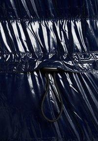Hollister Co. - WET LOOK PUFFER JACKET - Zimní bunda - navy - 6