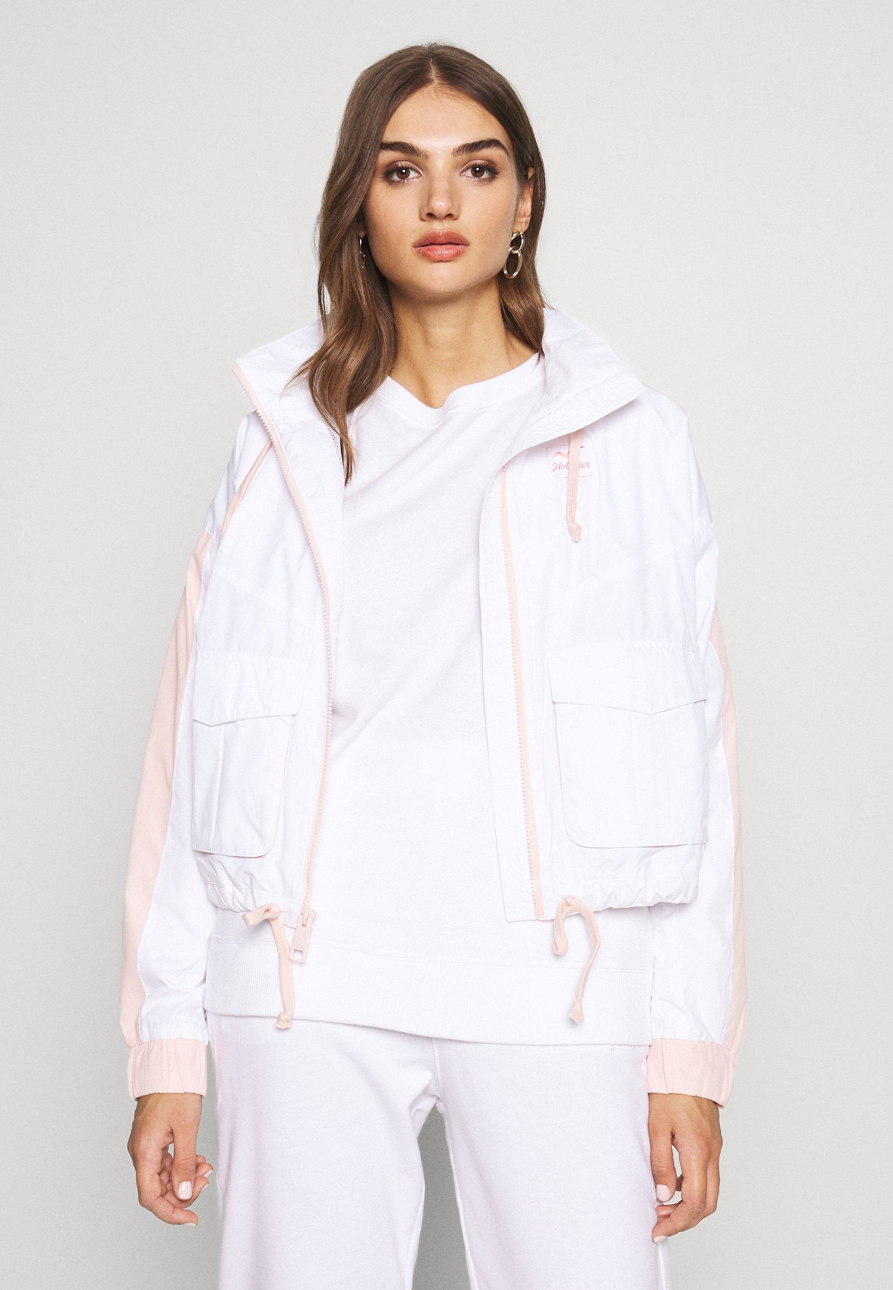 Hollister Co. ALL THE FEELS - Kurtka wiosenna - white/pink