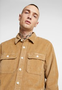 Hollister Co. - FLAN SHACKET - Shirt - tan solid cord - 3