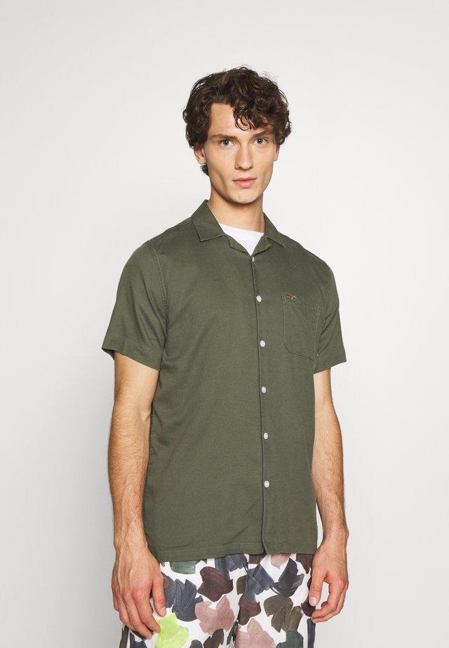 Camisa - olive