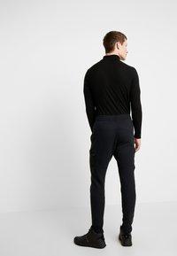 Hollister Co. - UTILITY - Pantalon de survêtement - black - 2
