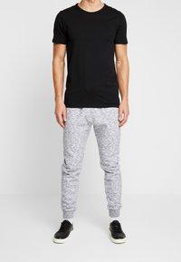 Hollister Co. - CORE  - Teplákové kalhoty - light grey - 0