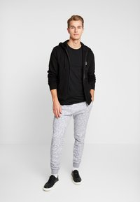 Hollister Co. - CORE  - Teplákové kalhoty - light grey - 1