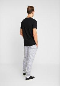 Hollister Co. - CORE  - Teplákové kalhoty - light grey - 2