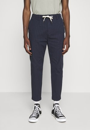 PULLON CROP TAPER PLAID - Pantalones - navy