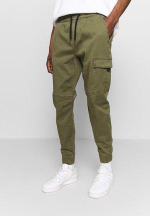 UTILITY - Pantaloni cargo - olive