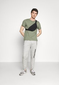 Hollister Co. - Tracksuit bottoms - grey - 1