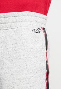 Hollister Co. - LOGO SHORT - Pantalon de survêtement - grey - 5