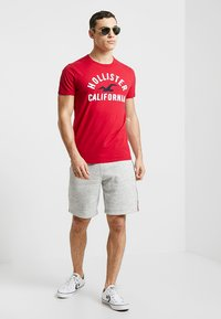 Hollister Co. - LOGO SHORT - Pantalon de survêtement - grey - 1