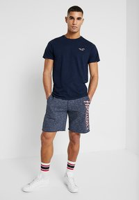 Hollister Co. - TECH LOGO - Shorts - navy - 1