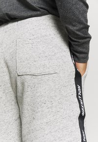 Hollister Co. - Trainingsbroek - grey - 3