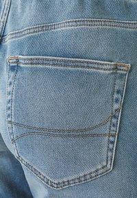 Hollister Co. - JOGGER SHORT  - Shorts di jeans - light-blue denim - 2