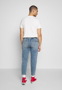 Hollister Co. - CROP PULL ON - Jeans Tapered Fit - medium - 2