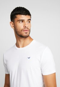 Hollister Co. - CREW CHAIN 3 PACK - T-shirts basic - white - 4