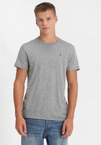 Hollister Co. - CREW CHAIN 3 PACK - T-shirt basic - black/white/grey - 3