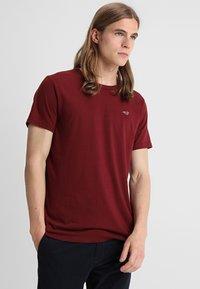 Hollister Co. - CREW 3 PACK - Camiseta básica - navy/burgundy/grey - 3