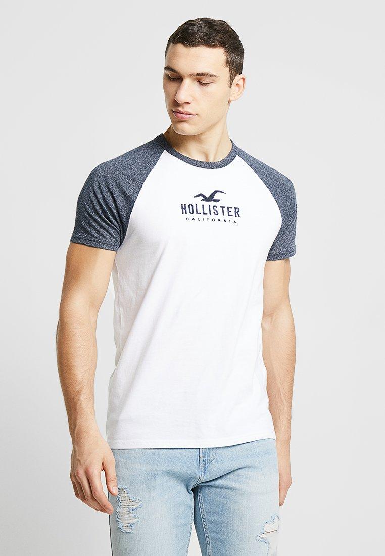 Hollister Co. - ICONIC TECH BLOCKING - T-shirt print - white
