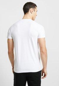 Hollister Co. - ICONIC TECH LOGO  - T-shirt imprimé - white - 2
