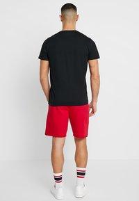 Hollister Co. - ICON VARIETY CREW - T-shirts - black/white - 2