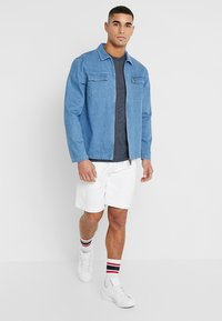 Hollister Co. - CORP ICON CREW - Triko s potiskem - navy - 1