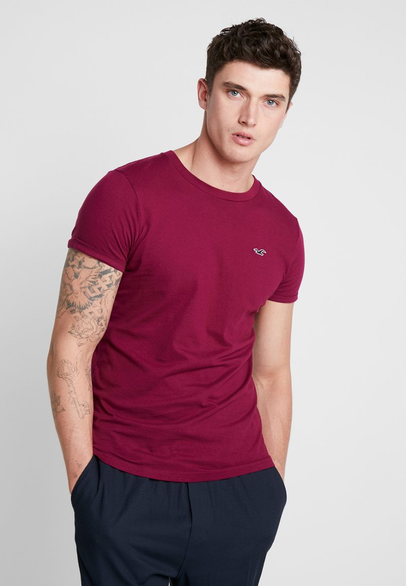 Hollister Co. - MUSCLE FIT CREW - T-Shirt basic - berry