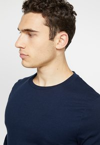Hollister Co. - STATEMENT - Long sleeved top - navy - 5